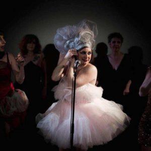Spectacle de cabaret - Fumer, boire et chanter - les folies de Madame Loulou - Compagnie Théâtre du Fil, Genève